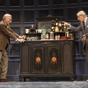 Hirst (Patrick Stewart) and Spooner (Ian McKellen) in No Man's Land