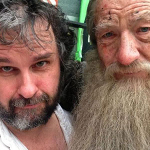 Peter Jackson and Ian McKellen on the set of The Hobbit