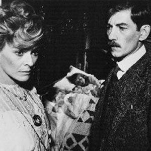 1979, PRIEST OF LOVE: Janet Suzman (Frieda Lawrence)  and  Ian McKellen (D H Lawrence)