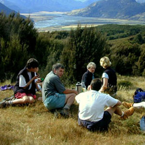 Tea time for a tramping party near Arthurs Pass