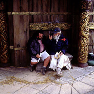 2000, THE LORD OF THE RINGS: THE FELLOWSHIP OF THE RING: Peter Jackson, Ian McKellen, and Tolkien  - Photo by Pierre Vinet
