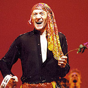 There is an annual Gypsy of the Year competition amongst casts of Broadway shows, organised by Broadway Cares/Equity fights AIDS. This one took place in December 2001 at the Palace Theatre on a Tuesday so everyone could go. Casts devise sketches. For a month before, casts have collected money after their shows, and I announced the winner — and came dressed as a gypsy (pretending I didnt understand that a Broadway gypsy is a chorene.) Thats Marian Seldes behind me.