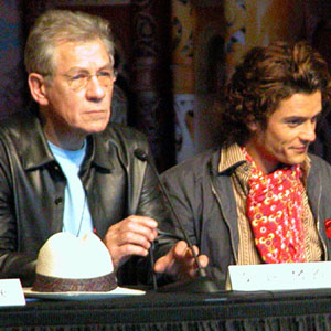 2003, THE LORD OF THE RINGS: RETURN OF THE KING: Press conference at Te Papa museum, Wellington NZ: Ian McKellen, Orlando Bloom  - Photo by Keith Stern