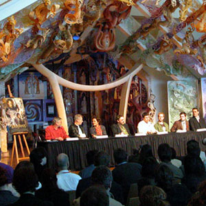 2003, THE LORD OF THE RINGS: RETURN OF THE KING: Press conference at Te Papa museum, Wellington NZ (l to r: Barrie Osborne, Ian McKellen, Orlando Bloom, John Rhys-Davies, Sean Astin, Billy Boyd, Elijah Wood, Richard Taylor, Mark Ordesky)  - Photo by Keith Stern