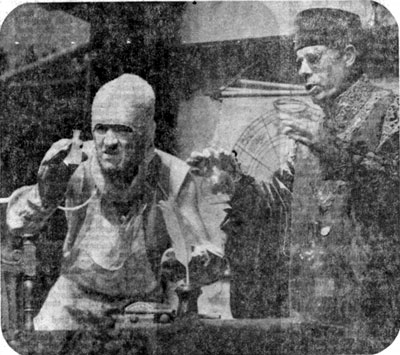 1977, THE ALCHEMIST: Face (Ian McKellen) and Subtle (John Woodvine) in the lab  - Photo by Morris Newcombe