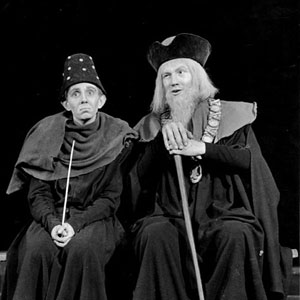 1959, HENRY IV PART 2 (Cambridge): Is Old Double of your town living yet? Act III, Scene 2. Silence (Michael Burrell) and Shallow (Ian McKellen)  - Photo by Edward Leigh