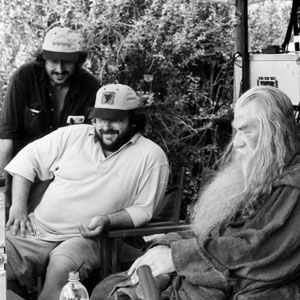2000, THE LORD OF THE RINGS: THE FELLOWSHIP OF THE RING: Andrew Lesnie (Director of Photography), Peter Jackson (Director), Ian McKellen (Gandalf), and Elijah Wood (Frodo Baggins)  - Photo by Pierre Vinet